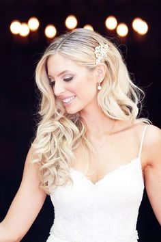 Perfect Wedding Hairstyles For Medium Hair ❤ See more: http://www.weddingforward.com/wedding-hairstyles-for-medium-hair/ #weddings