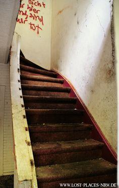 Altes #Kesselhaus in NRW | Treppe | #Urbexfotografie | #LostPlaces | www.lost-places-nrw.de