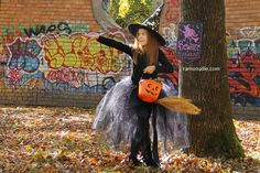 Halloween Photo Session Mini Photo, Halloween Photos, Beauty Portrait, Photo Sessions, Photography, Fashion, Moda, Halloween Shots, Photograph