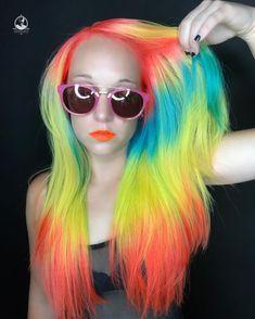 1,260 отметок «Нравится», 35 комментариев — Sarasota Hair Colorist (@bottleblonde76) в Instagram: «IT'S ELECTRIC ⚡️⚡️⚡️⚡️ #pulpriothair #pulpriotneonelectric #b3 #brazilianbondbuilder»