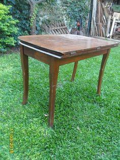 antigua mesa libro plegable tapa de cedro, muy prática
