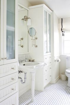 The perfect white bathroom.