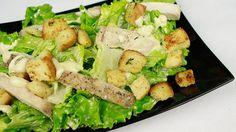 Салат ЦЕЗАРЬ с курицей, сухариками и анчоусами