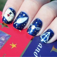 We remain die-hard Harry Potter fans whether or not there is a new book release. We've been to the Wizarding World of Harry Potter in Florida, share Harry Potter Nail Art, Harry Potter Make-up, Harry Potter Nails Designs, Love Nails, Pretty Nails, Fun Nails, Nailart, Cute Nail Art, Acrylic Nail Art
