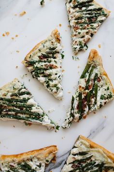 Spring Entertaning Pics with Em 10 Asparagus Tart, Asparagus Bacon, Think Food, Love Food, Eat Breakfast, Breakfast Recipes, Quiche, Easy Brunch Recipes, Food Inspiration