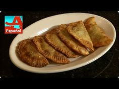 Looking for a great party snack? Denisse Oller shows you how to make empanadas. Empanadas, Falling Apart, Party Snacks, French Toast, Breakfast, Ethnic Recipes, Easy, Food, Appetizers