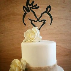 Nothing says rustic more than deer! We are in love with this cake topper. Whether you want a southern theme, or just love the woodland feel,