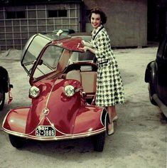 Christian Dior Haute Couture Tailleur pieds de poule en tweed 1950 - my mother used to come home from work in one of these Messerschmitts! Carros Vintage, Vintage Cars, Antique Cars, Retro Vintage, Red Vespa, Auto Girls, Lambretta, Microcar, Bmw Autos