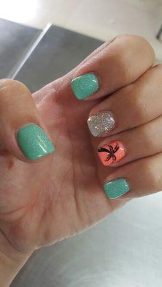 Beachy nails …