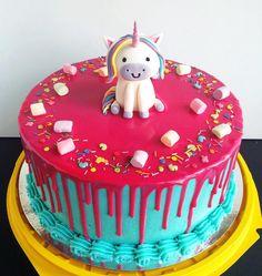 #торт #сырныйкрем #деньрождения #детскийторт #тортдлядевочки #единорог #маршмеллоу #домашняявыпечка #сладости #cake #cakeforgirl #pinkandblue #pink #blue #unicorn #marshmallow #sweet #ganache #creamcheese #birthdaycake #creamcheese