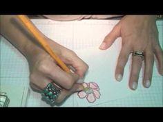 Aprende a crear textura con lapices de color y aceite para bebe. Es una manera facil de crear un efecto WOW en tus creaciones de papel.