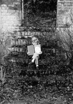 Patrick Lichfield - Ruins and reading, 1965. S)