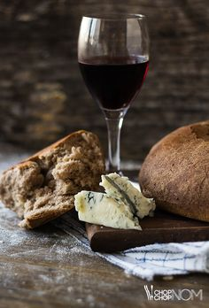 red wine biga bread recipe (http://chopchopnom.com/red-wine-biga-bread/)
