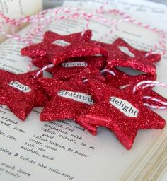 Dazzling Gift Wrapping and Topper Ideas