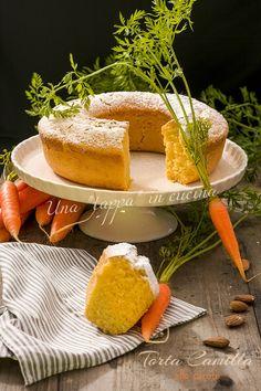 Io ho fatto in casa la torta Camilla alle carote, come le famose merendine, alta, soffice e buonissima per la colazione o la merenda!