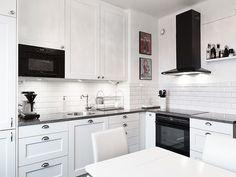 black appliances (via stadshem)