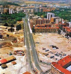 Avenida del Ejército. Pamplona, Baseball Field, Railroad Tracks, City Photo, Jeep, World, Classic Trucks, Town Hall, Houses