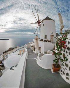 Plan my trip - Planning a trip to Italy - How to plan a trip to Europe - Plan your trip - Trip planning websites - Planning a trip to Greece - Planning a trip to Europe - Athens - Mykonos - Santorini - Greece - Greek Islands Oia Santorini, Santorini Island, Wonderful Places, Beautiful Places, Bósnia E Herzegovina, Travel Around The World, Around The Worlds, Places To Travel, Places To Go