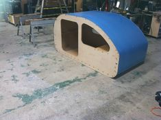 Teardrop Build Pictures: How an Oregon Trail'R Teardrop is Built. Small Camper Trailers, Off Road Camper Trailer, Small Campers, Rv Trailers, Vintage Trailers, Cheap Campers, Teardrop Trailer Plans, Building A Teardrop Trailer, Trailer Kits