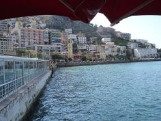 Ciudad turistica, portuaria comercial