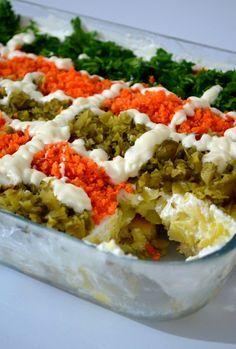 Etimek-Salat (Aubergine, Zucchini, Karotte), in 2020 Salad Menu, Salad Dishes, Meat Salad, Healthy Salad Recipes, Fruit Recipes, Chicken Recipes, Cottage Cheese Salad, Zucchini Aubergine, Meat Appetizers
