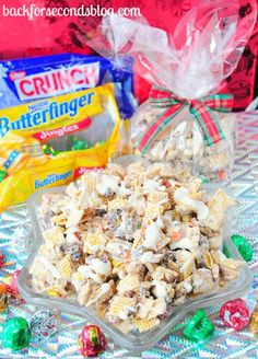 INSANELY GOOD - Butterfinger & Toffee Candy Crunch Mix @BackForSeconds #chex #candy #recipe #snack
