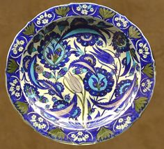 Dish, 1540-1550, Iznik, Turkey, Saz stile. The British museum, London