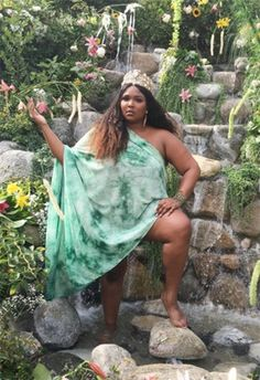 Why Lizzo is our new music and style obsession Beyonce, Rihanna, Beautiful Black Women, Big And Beautiful, Beautiful People, Oprah Winfrey, Divas, Thick Girl Fashion, Poses