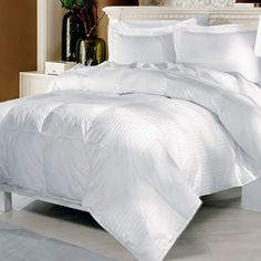 Luxury All Season White Goose Down Alternative Comforter (Twin) Hypoallergenic down alternative filling for people who suffer from allergies Twin/ Twin XL 68 inches wide x 88 inches.
