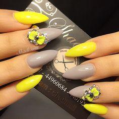 45 Stunning Yellow Nail Designs for 2019 Fabulous Nails, Perfect Nails, Yellow Nails Design, Hot Nails, Nail Decorations, Halloween Nails, Nails Inspiration, Pretty Nails, Nail Art Designs