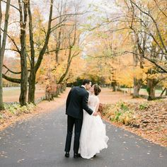 Related: unique fall wedding color palettes that celebrate the season Fall Wedding Cakes, Fall Wedding Colors, Autumn Wedding, Wedding Ideas, Autumn Bride, Modern Romance, Ceremony Arch, Martha Stewart Weddings, October Wedding