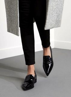 grey coat, cropped black skinny pants & black patent pointed toe loafers #style #fashion #shoes #workstyle #flats