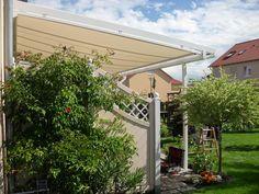 TerraSmart Terrassenüberdachung Elegant-Line - Terrassendach in weiß mit 3 Stützen, Mittelabtrennung und Markise