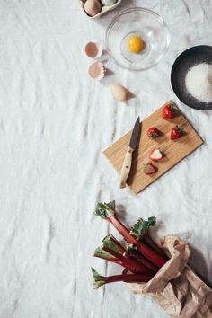 Rhubarb meringue tarts | dolly and oatmeal