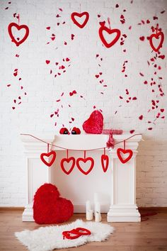 Below are the Romantic Valentines Day Crafts Design Ideas. This post about Romantic Valentines Day Crafts Design Ideas was posted … Diy Valentine's Day Decorations, Valentines Day Decorations, Valentine Day Crafts, Happy Valentines Day, Valentines Photo Booth, Valentine Mini Session, Cute Crafts, Diy Crafts, Silvester Party