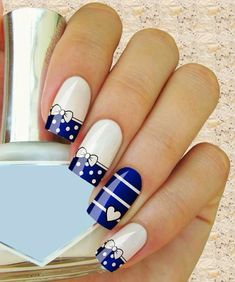 nails, blue, and white afbeelding