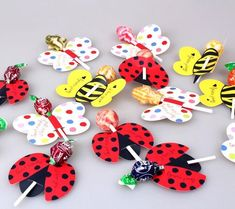 Handmade - Lollipop decorative paper cards Lollipop packaging handmade DIY candy decorative card - Apocalypse Now And Then Lollipop Decorations, Paper Decorations, Christmas Decorations, Kids Crafts, Easter Crafts, Valentine Crafts, Valentines For Kids, Ladybug Party, Butterfly Gifts