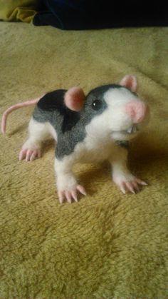 Another rat. Needle felting by Alina Wodzińska