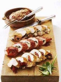Hähnchenfilets mit verschiedenen Füllungen: Chili-Ingwer, Ziegenfrischkäse, Paprika-Basilikum und Mozzarella-Schinken   http://eatsmarter.de/rezepte/hahnchenfilets-mit-verschiedenen-fullungen
