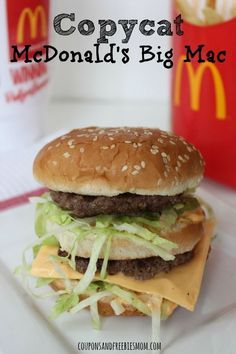 Almost everybody has had the Big Mac. Just showing a picture of the Big Mac it reminds people of how good it is and they will think about it until they buy one. Hamburger Recipes, Beef Recipes, Cooking Recipes, Mcdonalds Recipes, Noodle Recipes, Sauce Recipes, Big Mac Ingredients, Bagels, Vegan Blog