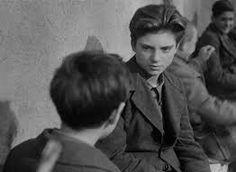 ROMA – E' morto giovedìmattina nella sua casa romana di Ponte Milvio, zona Nord, Franco Interlenghi. L'attore, nato a Roma nel 1931, a soli 15 anni fu lo straordinario protagonista