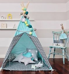 Premium Tipi Kit mit Bodenmatte, Kissen, Girlande, Spielzeugkorb – Breath of Turquoise Kids Tents, Teepee Kids, Teepee Tent, Teepees, Baby Boy Rooms, Little Girl Rooms, Baby Room, Teepee Party, Baby Kind