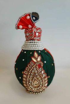 Indian Wedding Gifts, Desi Wedding Decor, Wedding Stage Decorations, Wedding Crafts, Diy Wedding, Wedding Ideas, Coconut Decoration, Thali Decoration Ideas, Marriage Decoration
