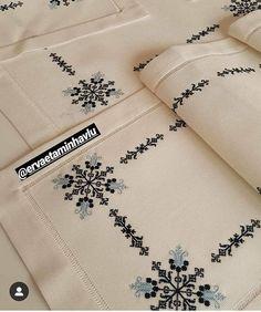 Cross Stitch Bird, Cross Stitch Flowers, Cross Stitch Designs, Cross Stitching, Cross Stitch Embroidery, Cross Stitch Patterns, Hand Embroidery Design Patterns, Herringbone Stitch, Crochet Tablecloth