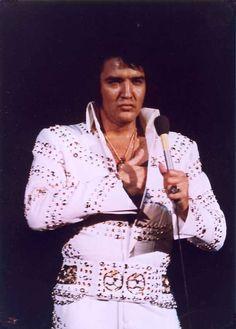 Elvis - Oh be still my heart!!!!