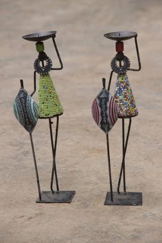 me ~ Maasai candle holder African Dolls, African Art, African Crafts Kids, Diy Arts And Crafts, Diy Crafts For Kids, Paper Mache Sculpture, Sculpture Ideas, Purple Balloons, Newspaper Crafts