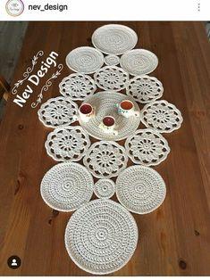 Owl Crochet Patterns, Crochet Mandala Pattern, Crochet Circles, Crochet Designs, Crochet Cow, Cute Crochet, Filet Crochet, Crochet Table Topper, Crochet Table Runner Pattern