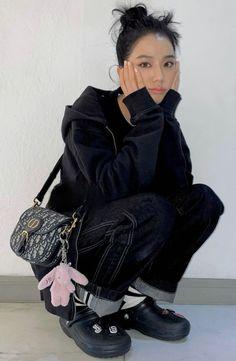 Yg Entertainment, South Korean Girls, Korean Girl Groups, Cool Girl, My Girl, Aesthetic People, Jennie Lisa, Blackpink Photos, Blackpink Fashion