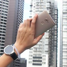 The #HuaweiWatch and #HuaweiMateS are an example of modern architecture and style.  #MakeitPosible #LiveHuawei #TouchMadePowerful #WearHuawei #StyleMeetsTech