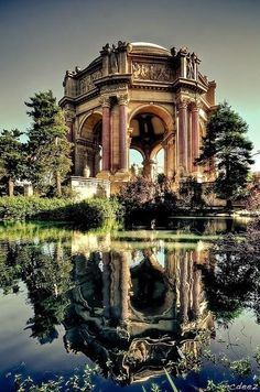 An idyllic spot romantic evening garden walks, the Palace of Fine Arts in San Fransisco.  Top 10 Things To Do In The Marina, San Francisco on TheCultureTrip.com. Click the image to read the article. (Image via foursquare.com).